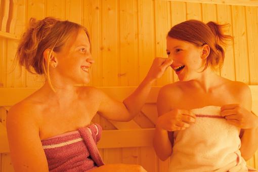 Gaité et convivialité au sauna